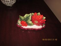 Christmas Salt & Pepper Shaker with Tray. in Fort Campbell, Kentucky