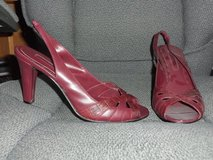 Wine Colored Summer Heels Size 9 in Oswego, Illinois