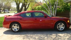 2006 Dodge Charger R/T 5.7L Hemi Super LOW miles in Morris, Illinois